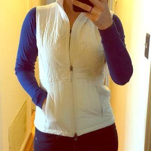 CUTE white vest!!
